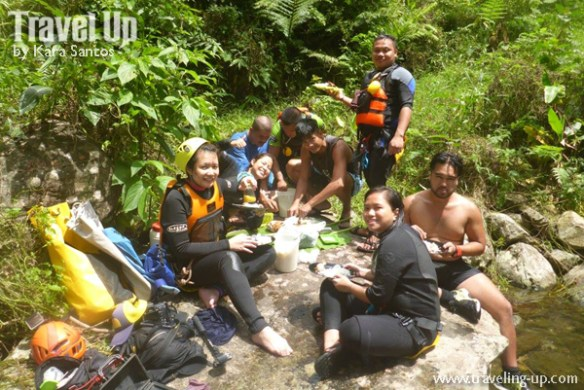 canyoning-in-biliran-lunch-stop