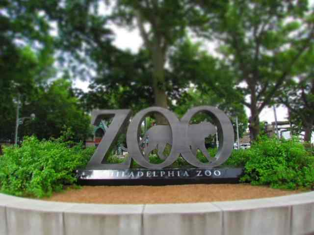 things to do in Philadelphia with kids zoo sign