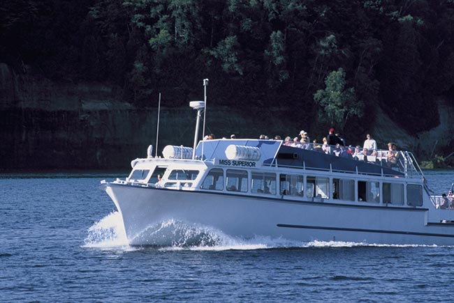 The Best Cruises to Take at Pictured Rocks National Lakeshore