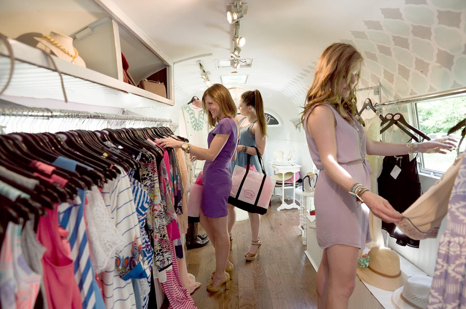 7 Bombshell Benefits You Get From Shopping At Boutiques Cover Image Credit  Traveling Chic Boutique