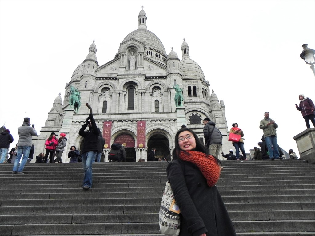 Aya in front of the Sacré Coeur Basilica