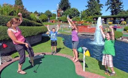 Vancouver Island, Miniature golf Parksville, Parksville Bumper Boats