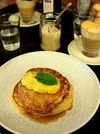 Pancake & Fruits