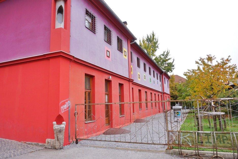My 3 Night Stay in a Yugoslavian Prison