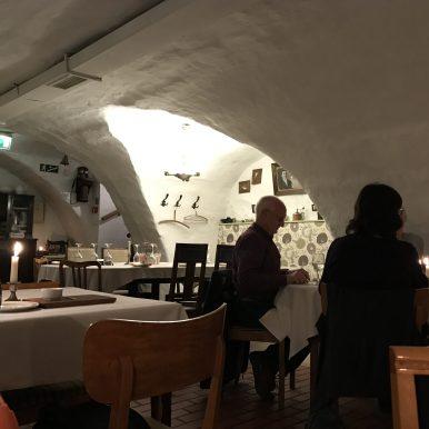 Vanaema Juures Restoran, Tallinn