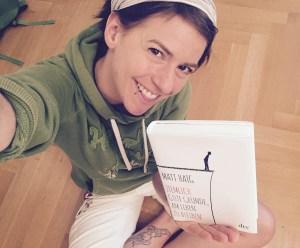 Das Glück dieser Erde .... liegt manchmal zwischen den Seiten eines Buches. Wie bei diesem hier.
