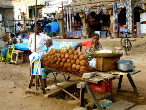 hampi-bazaar-coconut