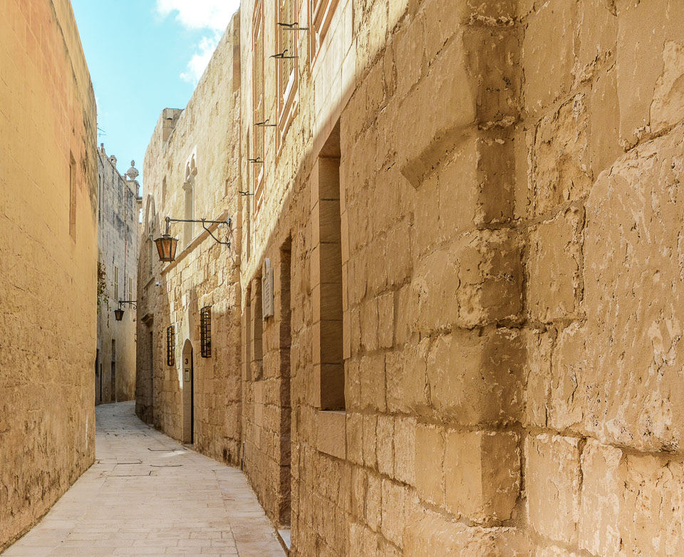 Traveling the World Malta Mdina Narrow Streets