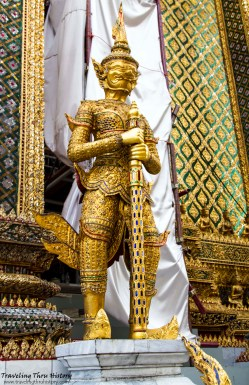 Smaller version of one of the Yaksa Tavarnbal (demon guardians) guarding the top of the stairs leading to Phra Mondop. These were created during the reign of Rama I and are regarded as the most perfectly proportioned of all existing classical sculptures of Rattanakosin craftsmanship.
