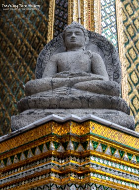 One of the replica 9th-century Javanese Dhyani Buddhas from Candi Plaosan sitting at each of the four corners of Phra Mondop. The originals are housed in the Museum of the Royal Chapel.