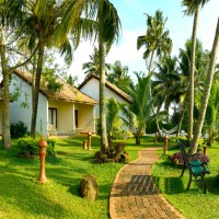 7 Relaxing Backwaters Hotels and Resorts for Honeymoon