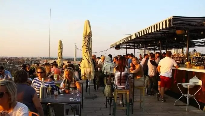 360 bar budapest Rooftop Bars min - Budapest Travel Guide-What Every Tourist Should Know About Budapest