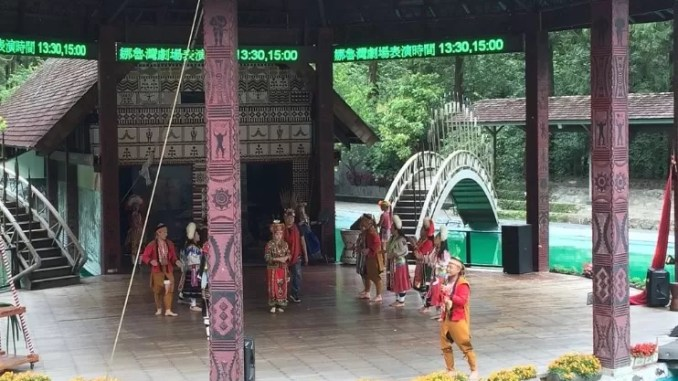 Aboriginals at Formosan Aboriginal Culture Village 678x381 - Sun Moon Lake – Taiwan Best Scenic Lake