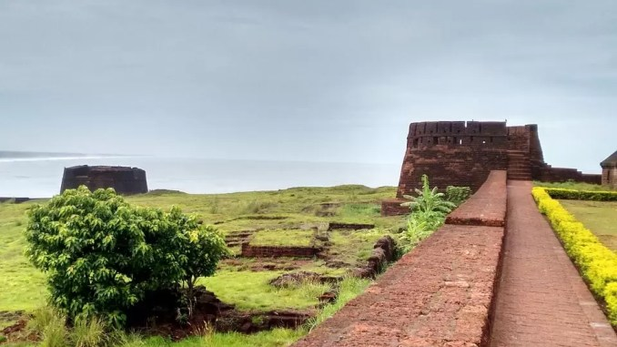 Bekal Fort Tourist Places In Kerala 678x381 - Top 10 Tourist Places In Kerala To Visit During Summer