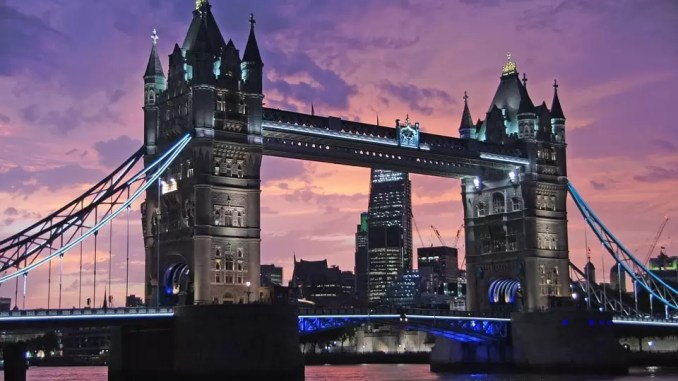 london Tower Bridge 678x381 - 5 Must-See Places To Visit During A Weekend Aventure In London
