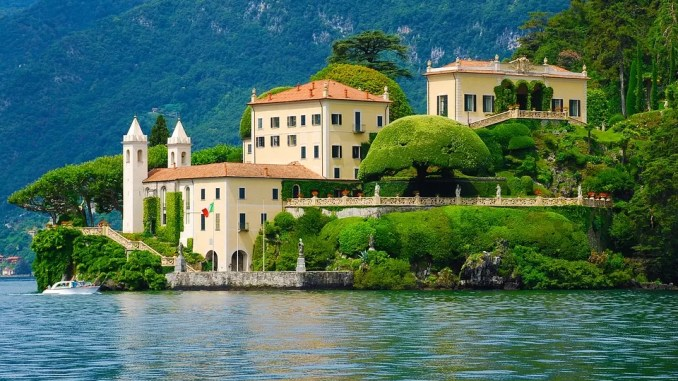 Lake Como Italy 678x381 - Summer in Italy - Ways to Spend Your Vacation Time