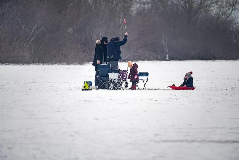 canada ice fishing