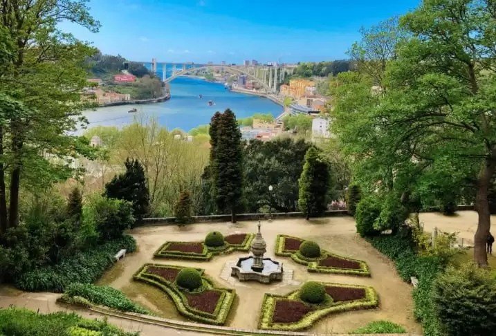 Crystal Palace garden Palacio de Cristal