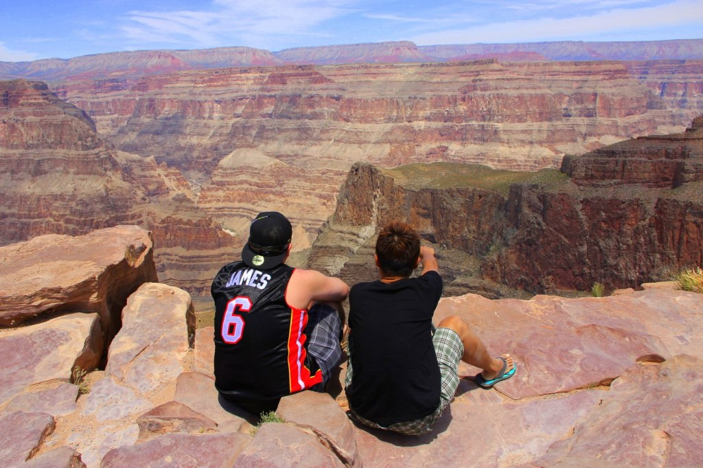 Admiring the beautiful Grand Canyon scenery