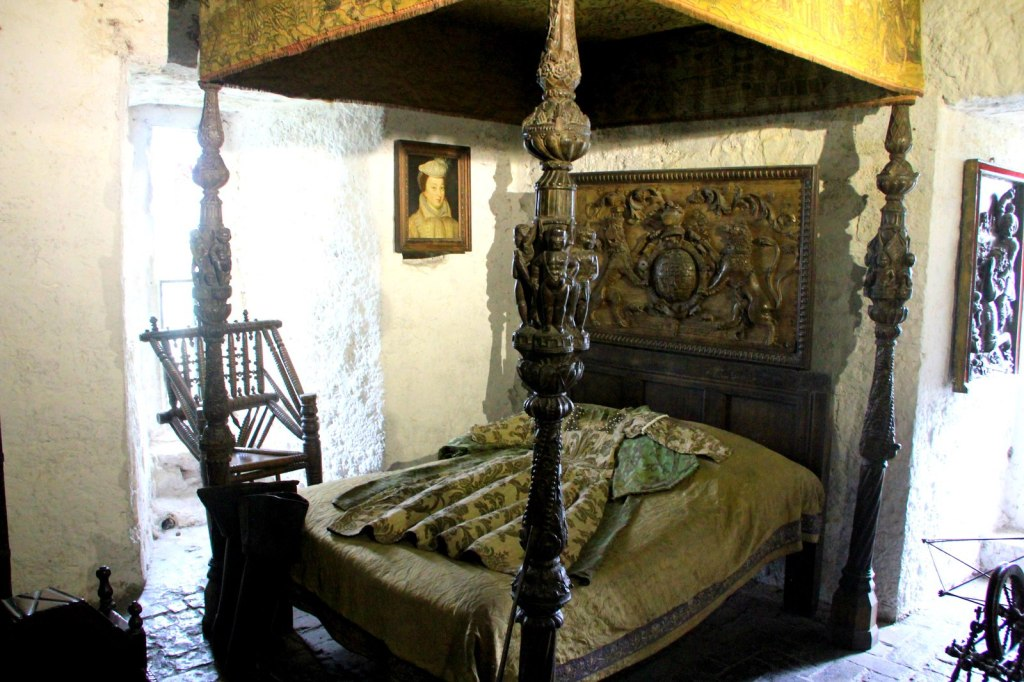 Bedroom in Bunratty Castle
