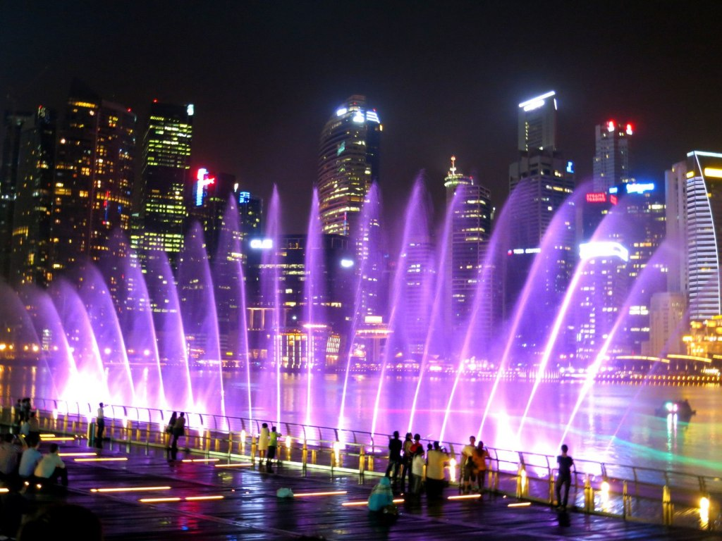 Daily Free Laser Light Water Fountain Show - Wonder Full @ Marina Bay Sands