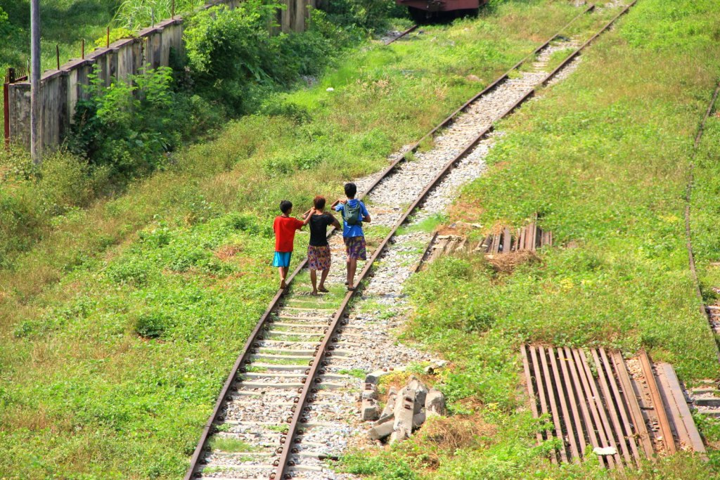 The Burmese children at the rail track