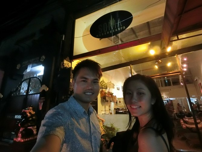 Never be more refreshed after a GREAT massage at SOMA Balinese Massage & Spa! Testing out the low light capability of EX-FR100, so this selfie was without a selfie stick.