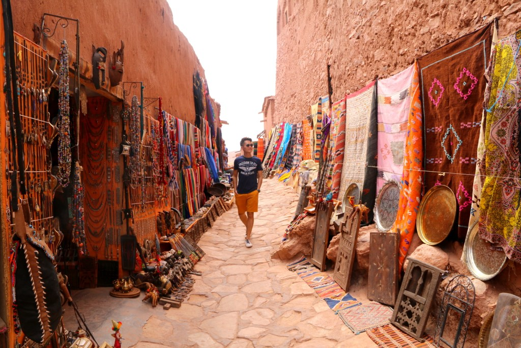 Yes! You can do shopping inside Aït Benhaddou! :-)