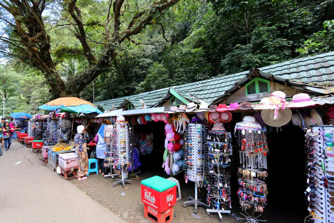 Bantimurung Waterfall Shops