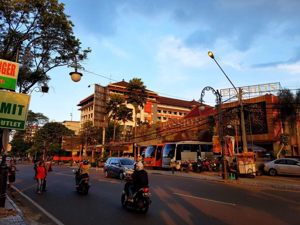 Jalan Riau