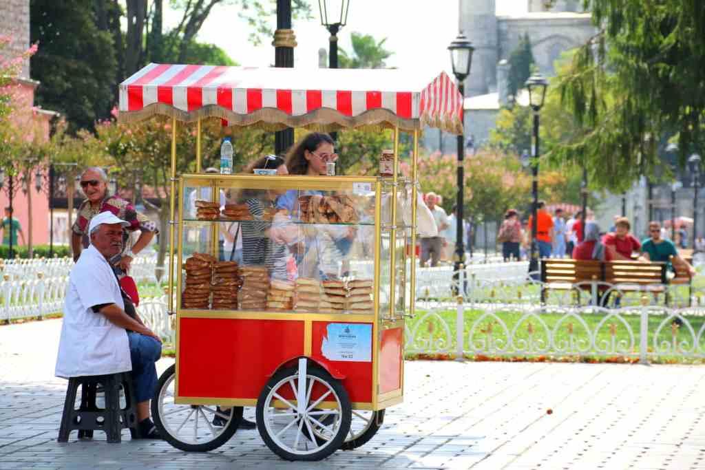 Vendor selling Turkish bread, Simit