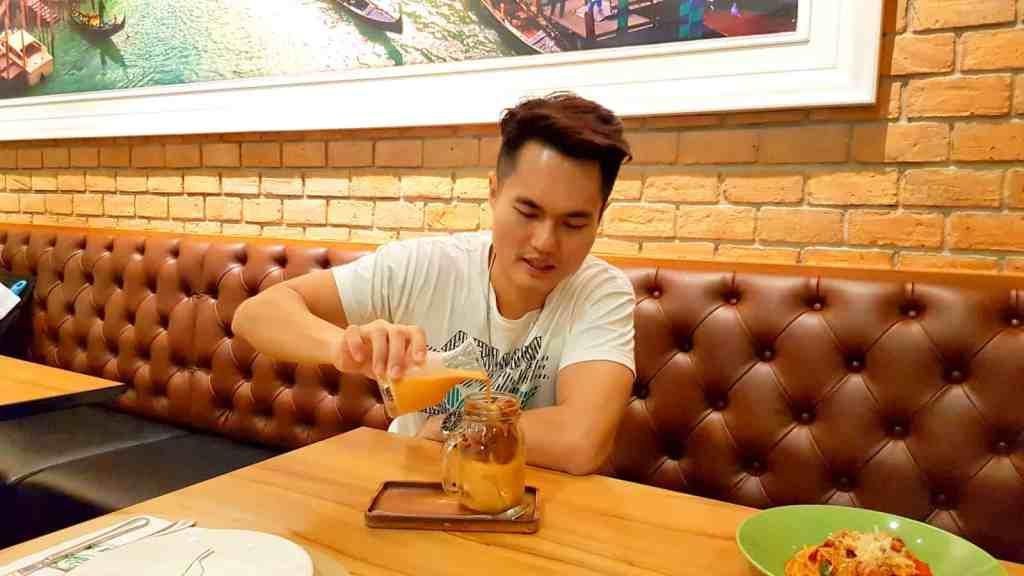 Pizza Hut Thai Iced Milk Tea