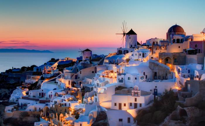 Santorini_Greece_Mytraveljaunts