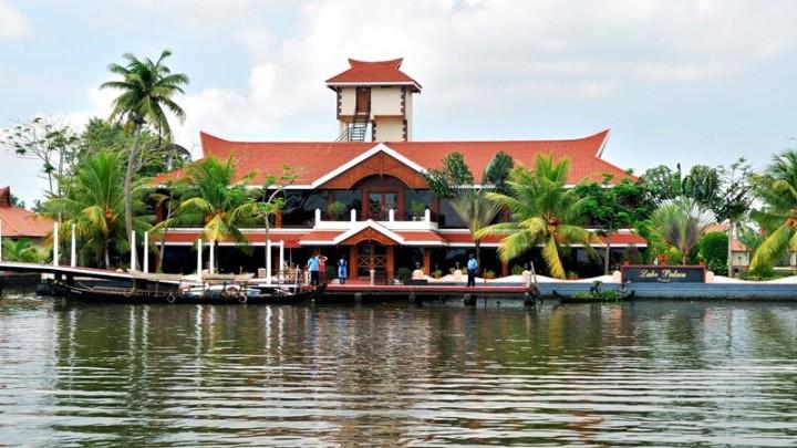 lake-palace-resort-e1459262691757