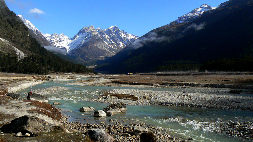 Yumthang valley, Sikkim by Travel Jaunts