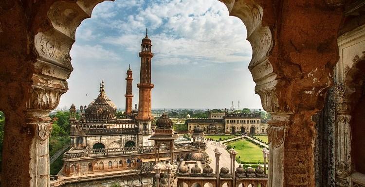 मुस्कुराइए, आप लखनऊ में हैं… घूमिए ऐतिहासिक शहर की ये 10 जगहें