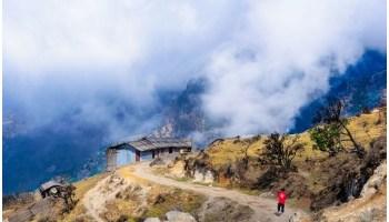Best Trek Routes in india - रोमांच किसे पसंद नहीं होता, लोग अपनी बोरिंग सी लाइफ को मजेदार बनाने के लिए कोई कमी नहीं छोड़ते हैं। तो चलिये इस बार हम आपको कुछ ऐसे ही मजेदार ट्रेक्स के बारे में बताते हैं