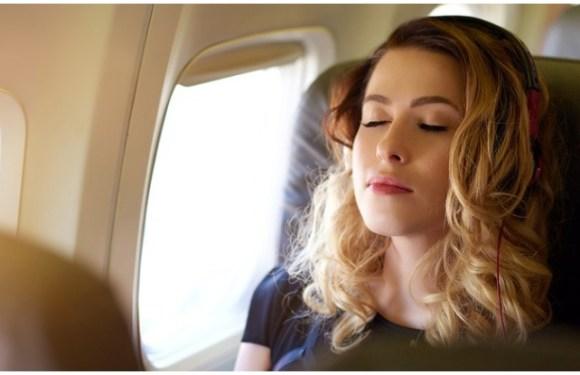 Air Travel Tips: एयरोप्लेन में इन 7 गलतियों की चुकानी पड़ती है भारी कीमत