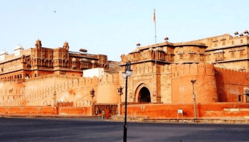 Must visit Junagadh Fort its a beautiful place