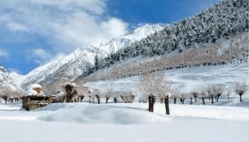 Lahaul-Spiti is freezing lakes and waterfalls