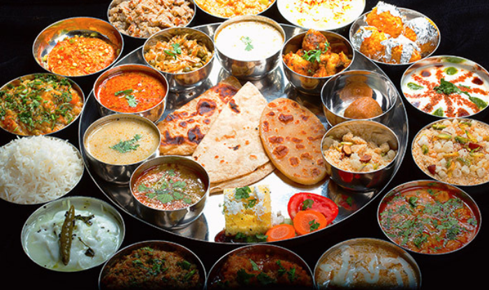 Rajasthani food : Rajasthan's food is famous all over the world, if tasted there, definitely taste it