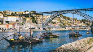 Porto: Chuť portského vína a portugalské pláže na dosah