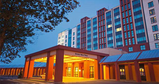 Отель Disney's Hotel New York®