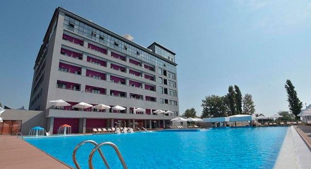 Отели в Анапе все включено с бассейном - Beton Brut Resort All Inclusive