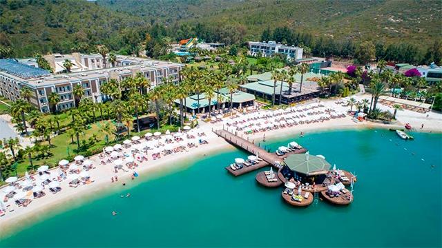 Отель Crystal Green Bay Resort & Spa5*