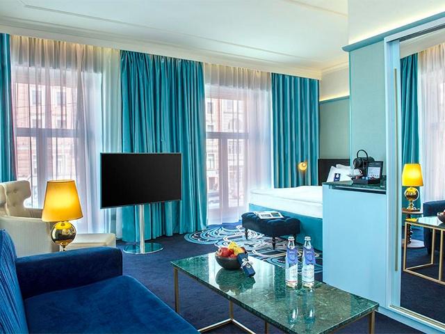 Radisson Royal Hotel ★★★★★