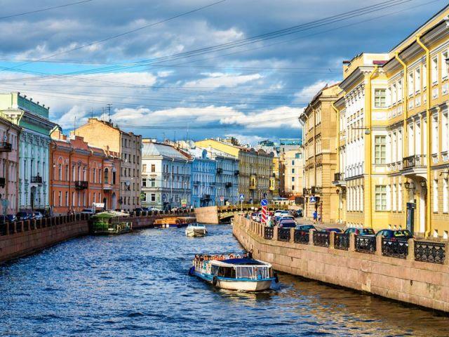 Экскурсия: На моторном катере — по рекам и каналам Петербурга