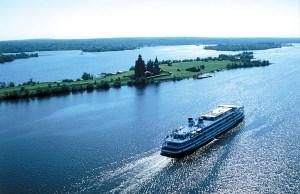 Речные круизы из Санкт-Петербурга на теплоходе