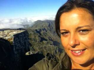 Kate on top of Table Mountain in Cape Town