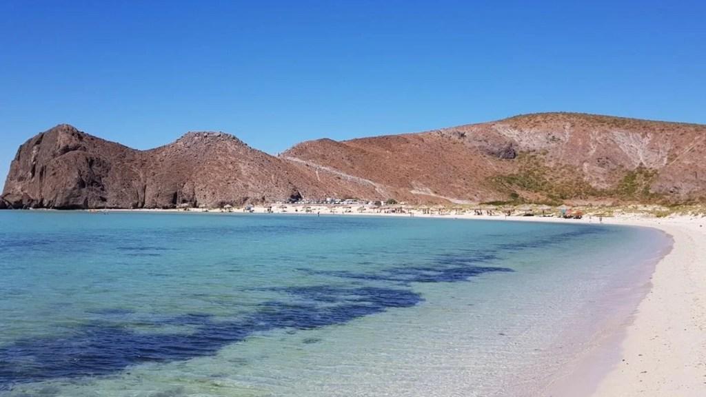 spiaggia di playa balandra in Messico Baja California escursione di un giorno